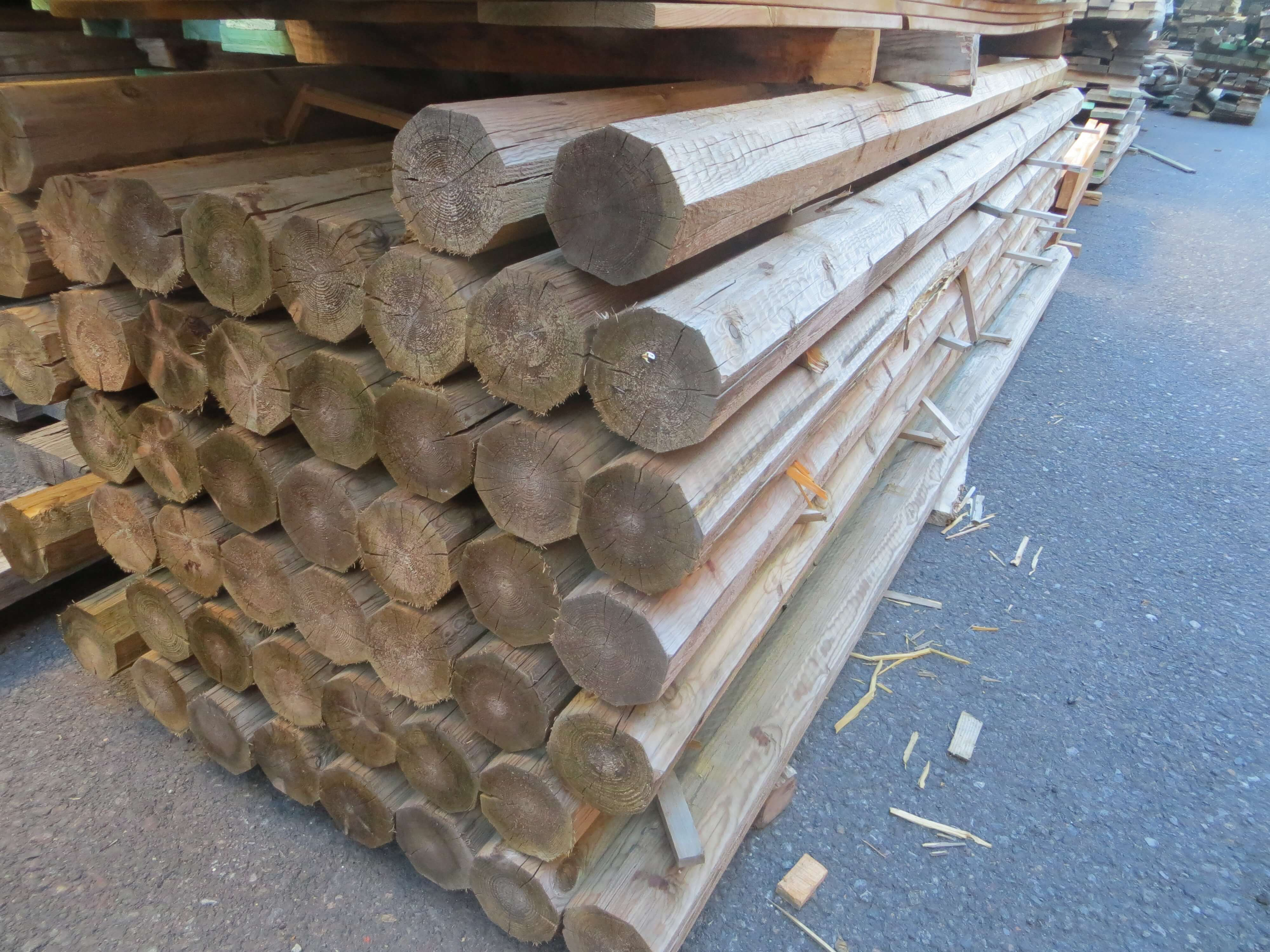 postes octogonales madera tratada (1)