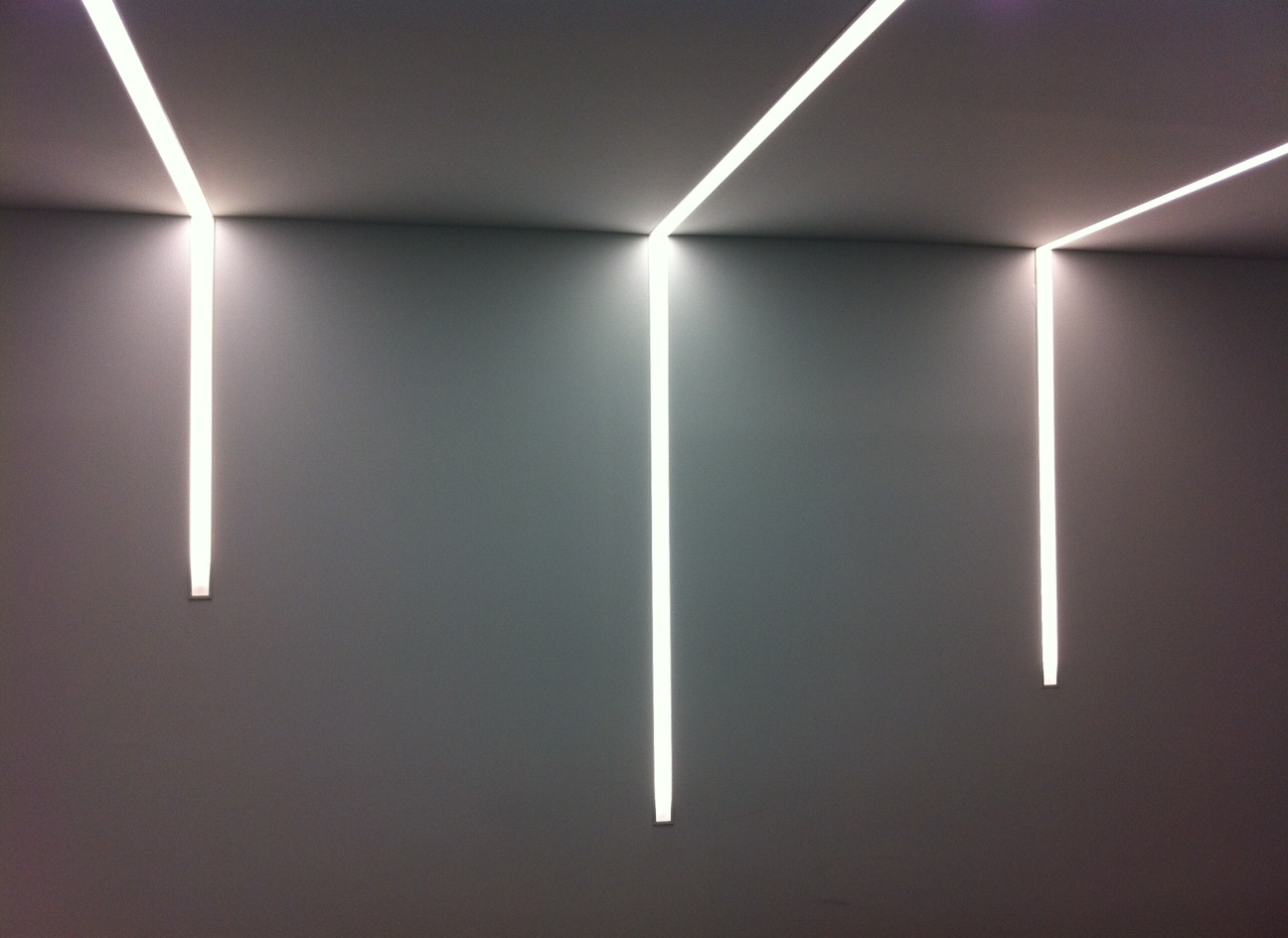 Ferreter a grupo jlr for Luces de pared interior